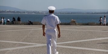 5 Essential Books For The New Sailor