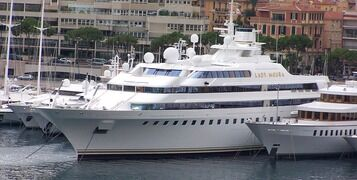 What's The Difference Between A Yacht and A Superyacht?